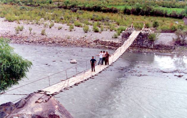 Ancient bridge:for crossing Ghizer river.