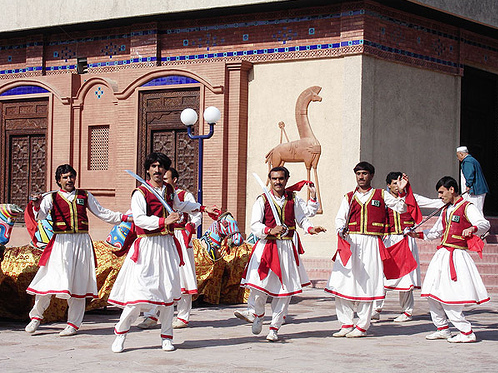 http://thepeopleofpakistan.files.wordpress.com/2010/02/khyber-sword-dance.png