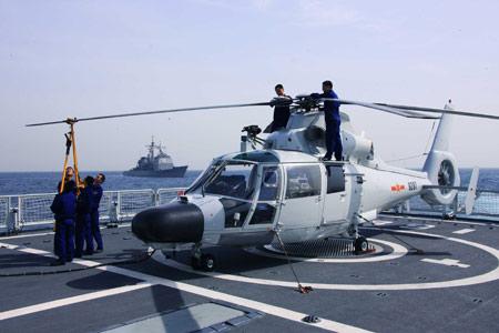 3 فرقاطات صينية للجزائر Z9ec-helicopter1