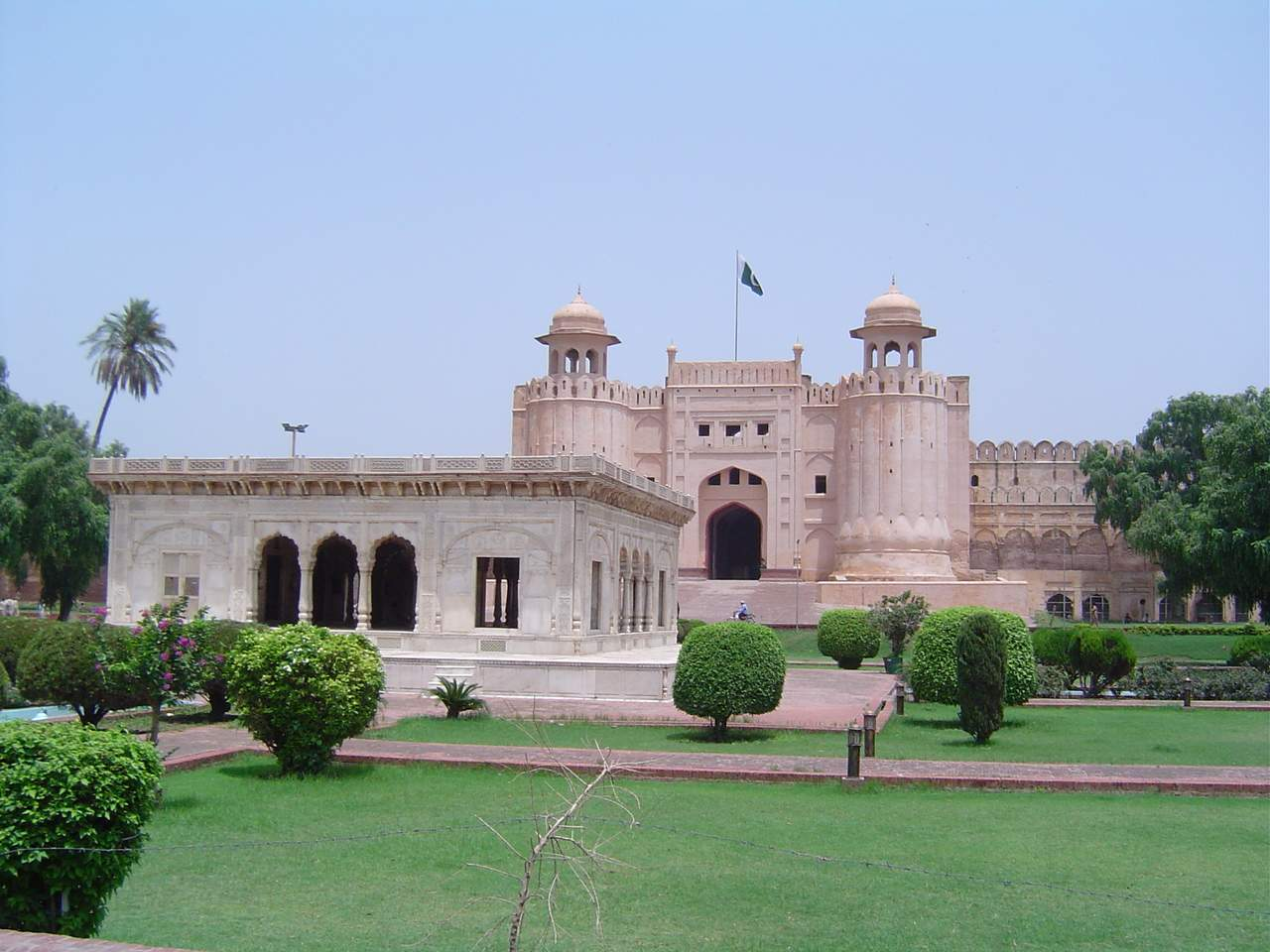 essay on red fort in urdu Essay in red fort delhi published in 2011 usa latex dissertation title page template zillow masters dissertation writing help nyc aabe zam zam essay in urdu.